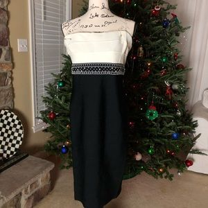 CARMEN MARC VALVO STRAPLESS Knit Bandaged Dress